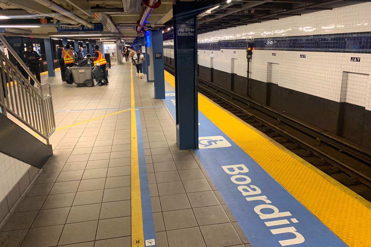 Subway platform with enhanced wayfinding for people with disability